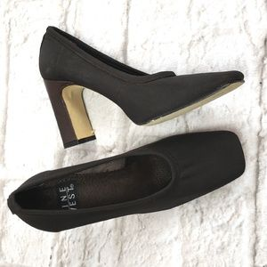 Nine West women's Dark Brown Heels size 6B